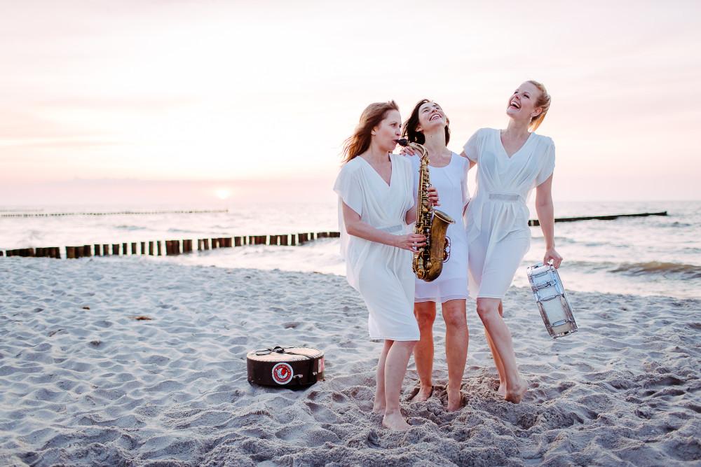 beach concert